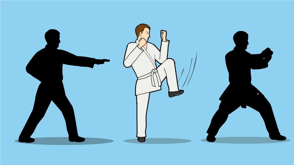 เมื่อฝึกท่าทางการเล่นพื้นฐาน เทคนิคการเล่นกีฬาคาราเต้ จนเชี่ยวชาญแล้ว ให้ผู้เล่นเริ่มการฝึกปล่อยหมัด ฝึกวิธีการเตะ และการเข้าหาคู่ต่อสู้