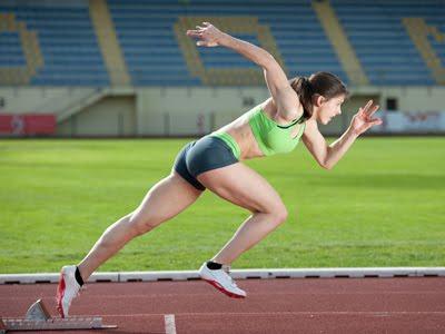 อุปกรณ์กีฬากรีฑา วิ่ง กีฬากรีฑา อุปกรณ์กีฬากรีฑา มีอะไรบ้าง?1.รองเท้า ถือว่าเป็นอุปกรณ์ที่สำคัญอย่างยิ่งสำหรับนักกีฬา ประโยชน์ และ มารยาท