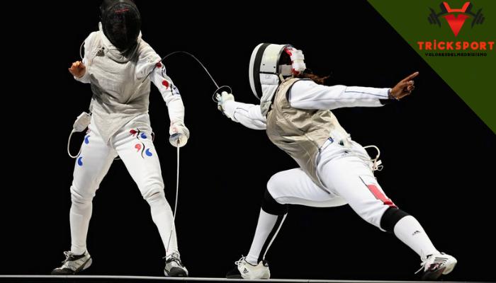 เทคนิคการเล่นกีฬาฟันดาบ กีฬาฟันดาบ เป็นกีฬาที่มีมานานมาก เป็นการต่อสู้กับศัตรู และเป็นการล่าสัตว์ของคนที่สมัยก่อน แต่ปัจจุบันได้เปลี่ยนรูปแบบการกีฬา งั้นวันนี้เราจะพาไปทำความรู้จักกับ กีฬาชนิดฟันดาบ